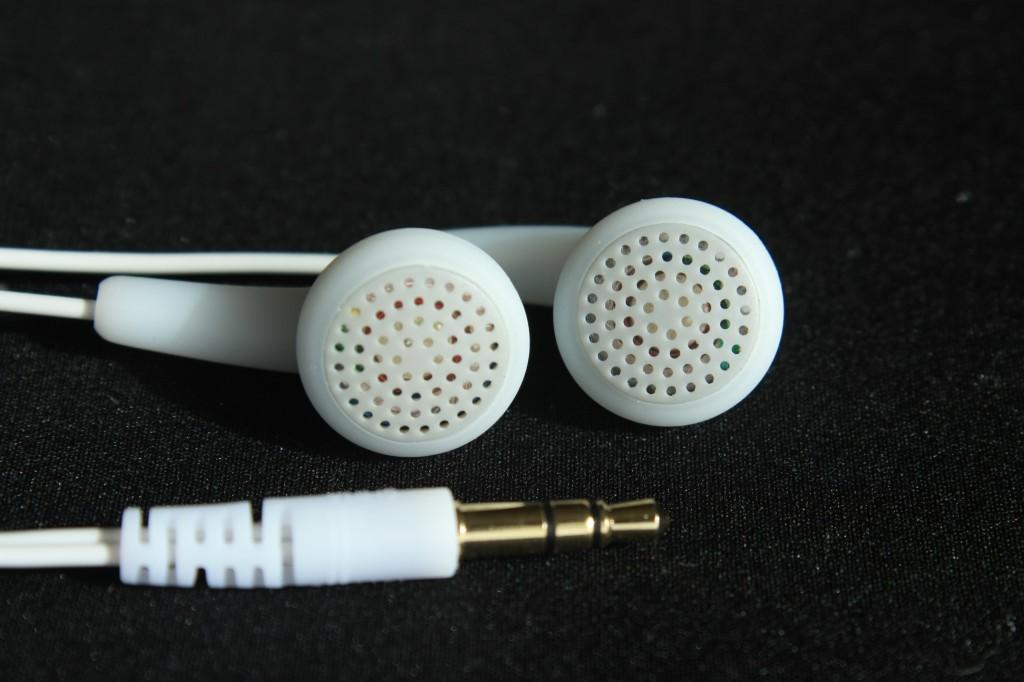 oordopjes kunnen gehoorgangontsteking veroorzaken